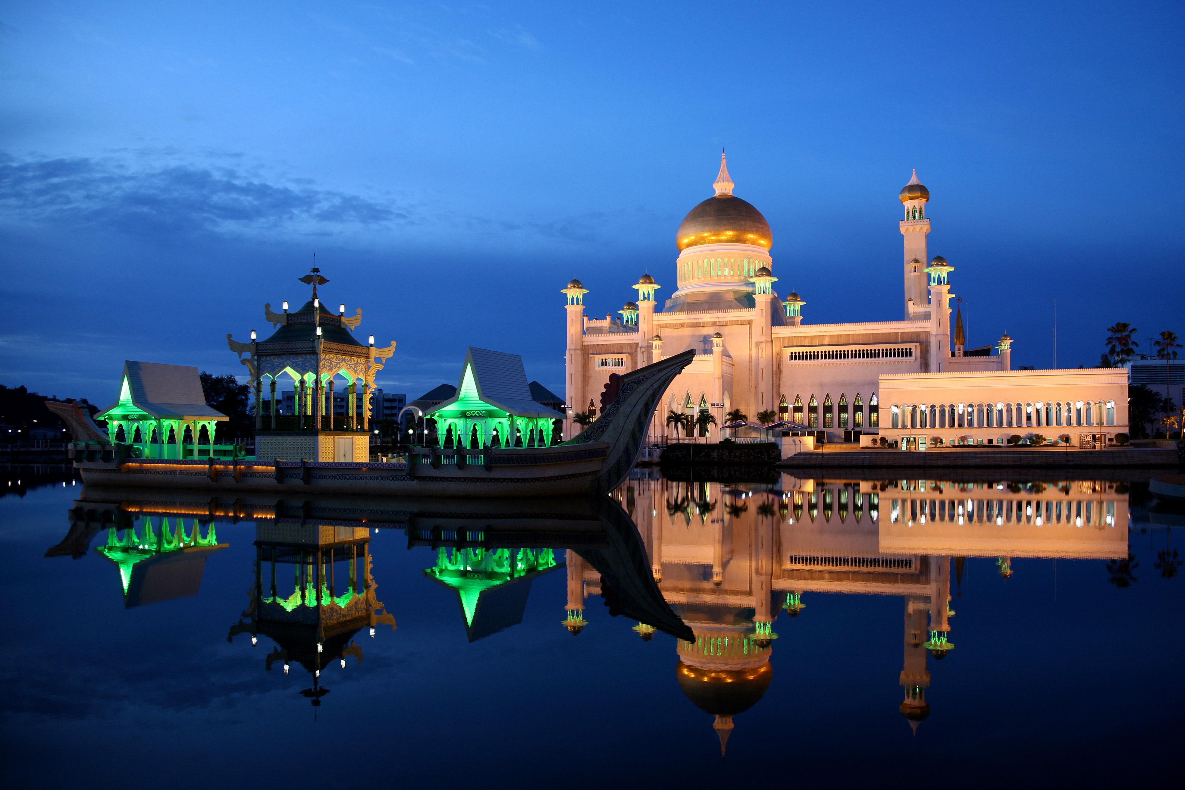 - sultan-omar-ali-saifuddin-camii-brunei_1